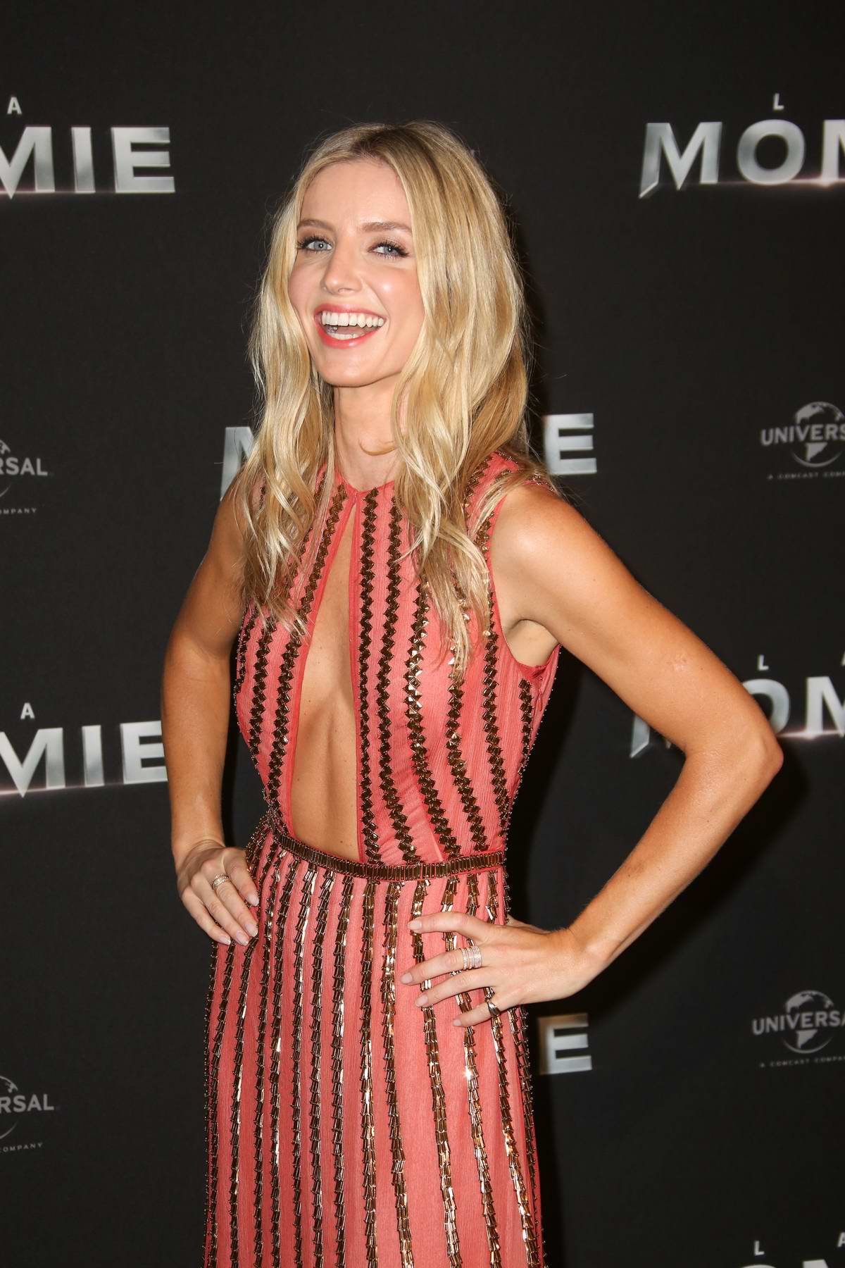 Annabelle Wallis nude photos 2019