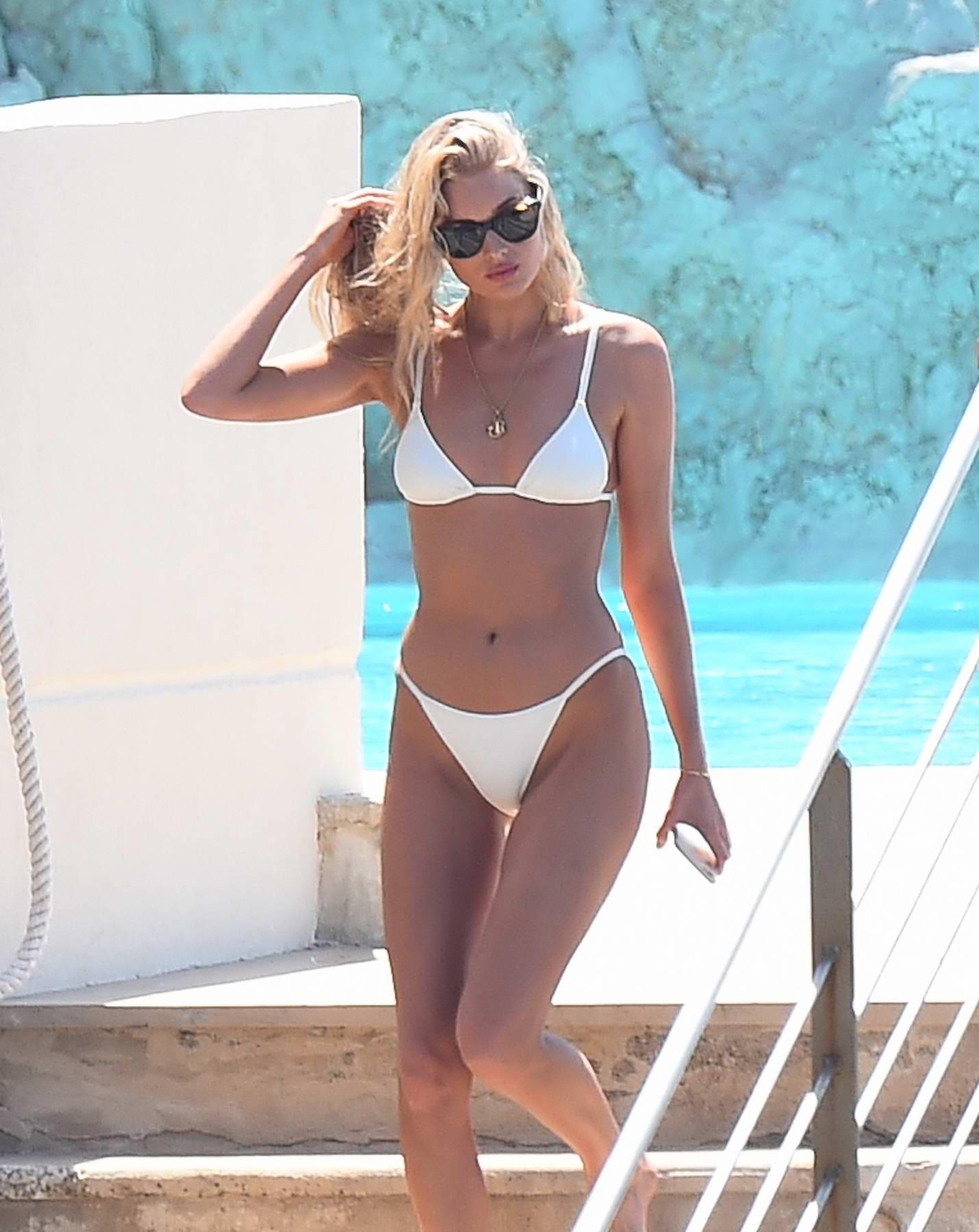 Elsa hosk in bikini - 2019 year