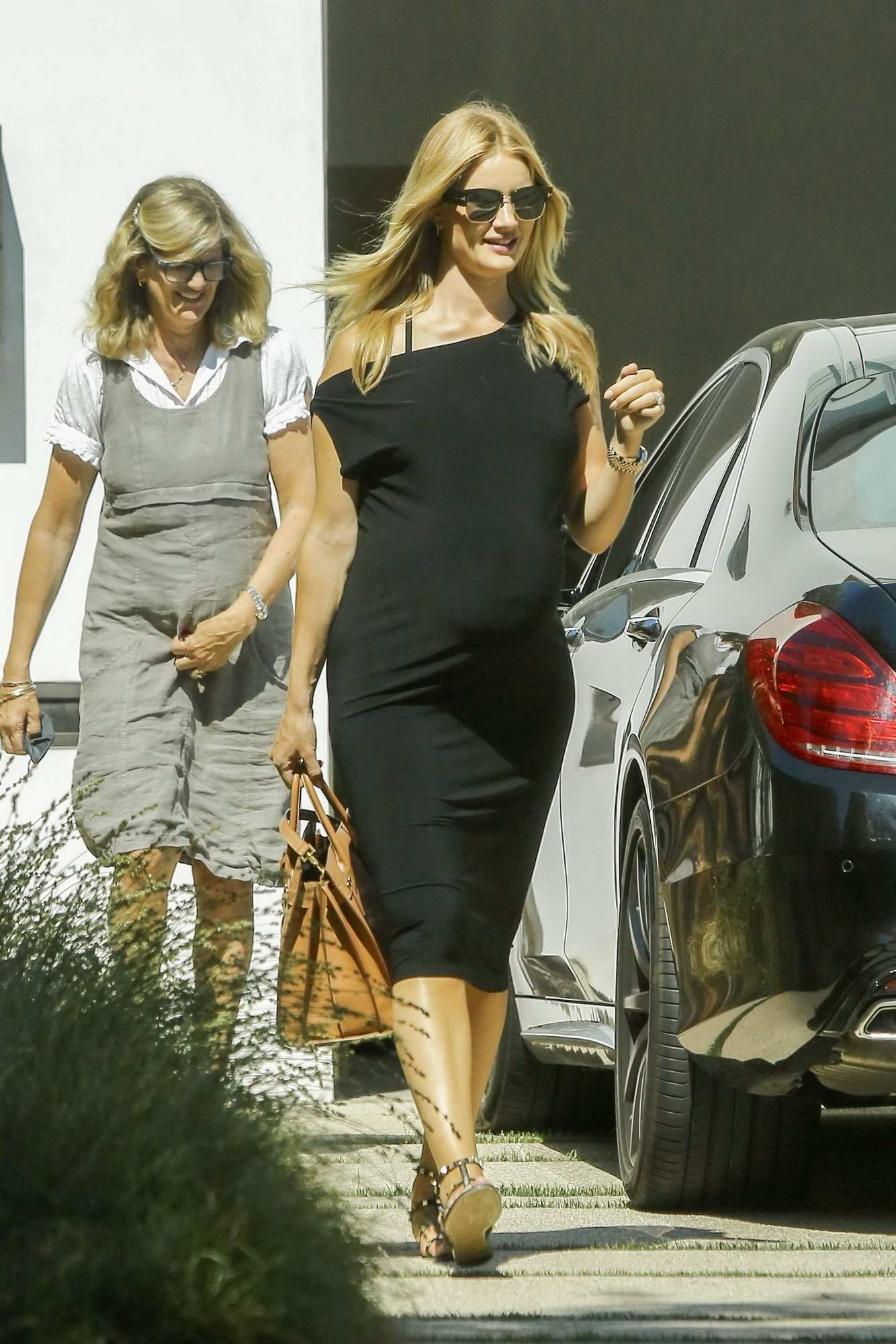 Rosie Huntington Whiteley Out With Her Mother And Mother