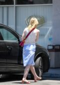 elle fanning grabs lunch at el pollo loco in los angeles-270617