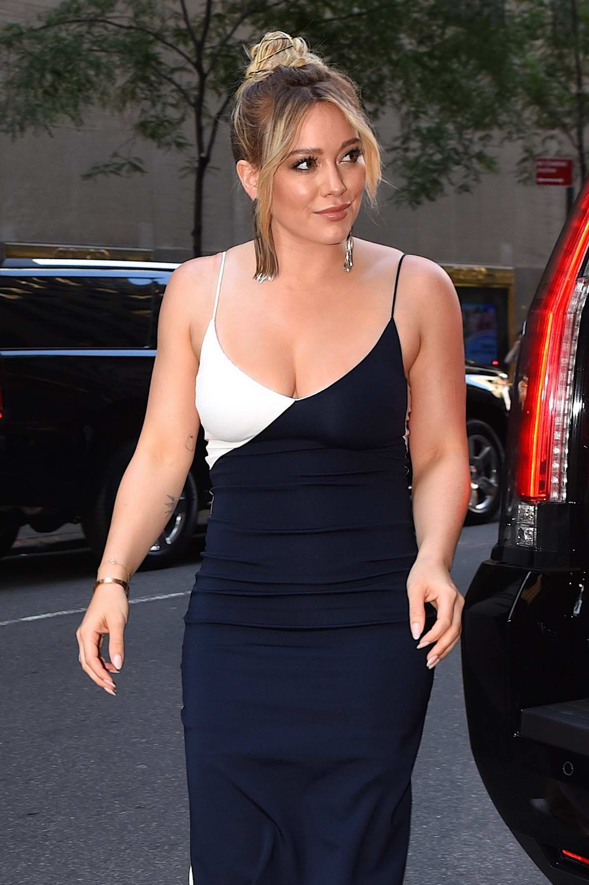 Hilary Duff arriving at The Tonight Show Starring Jimmy Fallon in New York