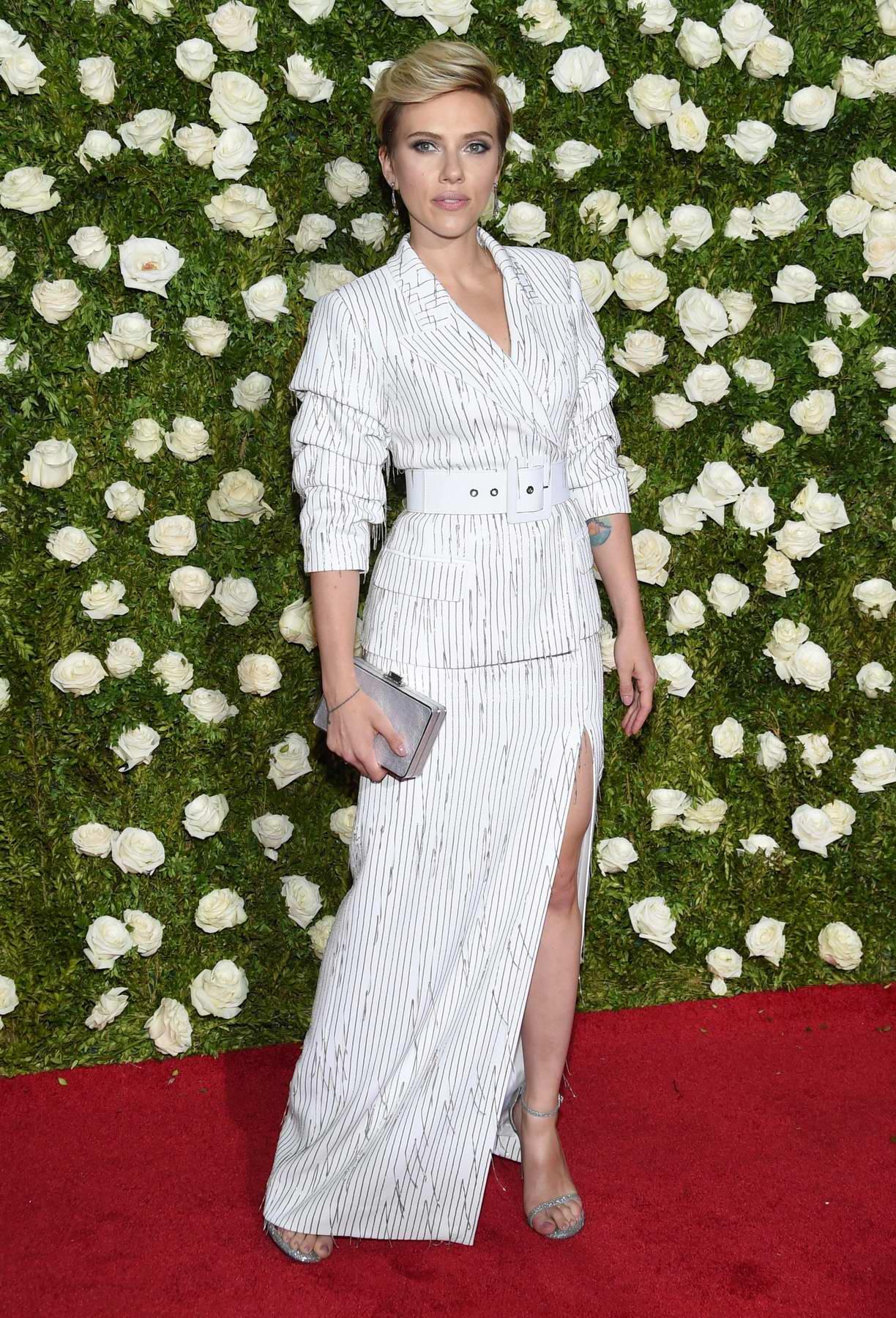 Scarlett johansoon tony awards in new york city - 2019 year