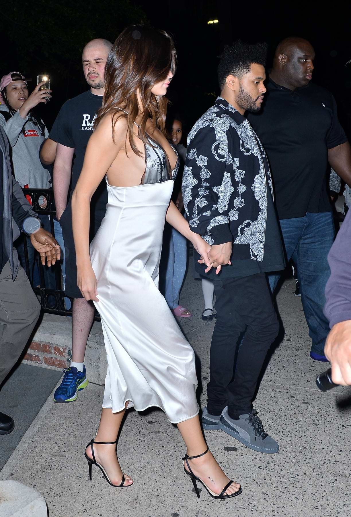selena gomez and the weeknd out for dinner at rao's during their
