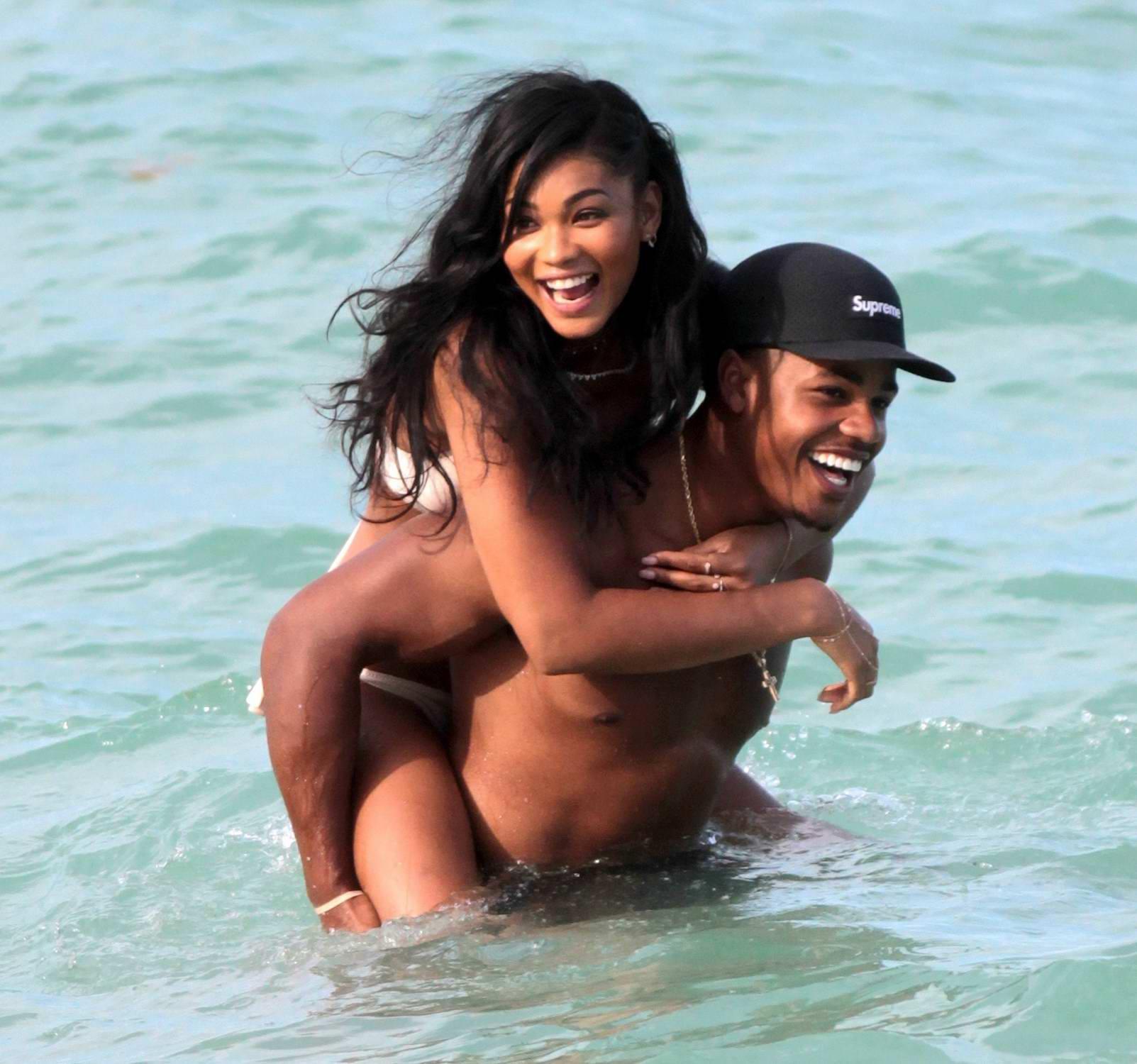 chanel-iman-in-a-bikini-enjoying-a-beach-day-with-her-boyfriend-sterling-shepard-in-miami-300617_5.jpg