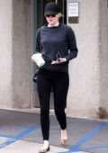 Emma Stone visiting her Doctor's Office in Brentwood, Los Angeles