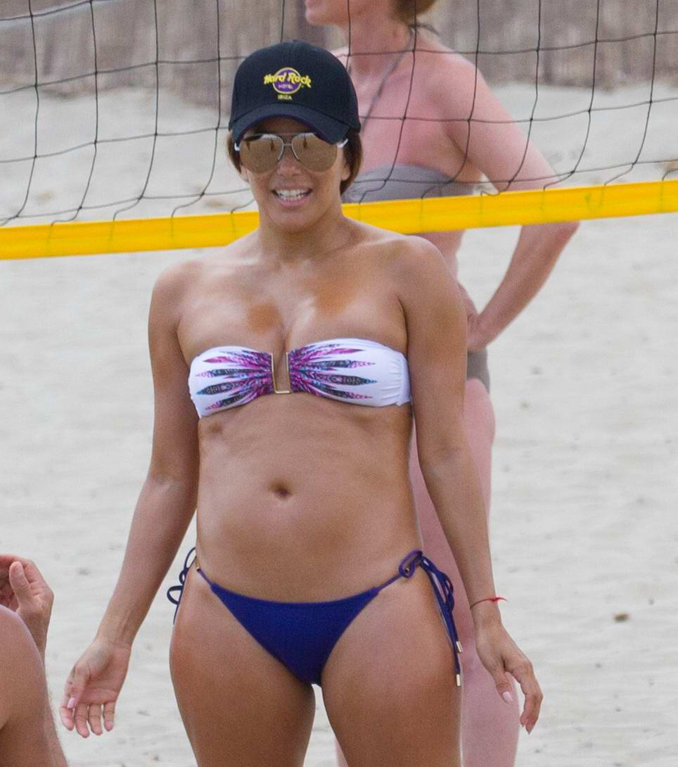 Eva Longoria In Spotted Playing Beach Volleyball With Her Husband And Friends Ibiza Spain 210717 13