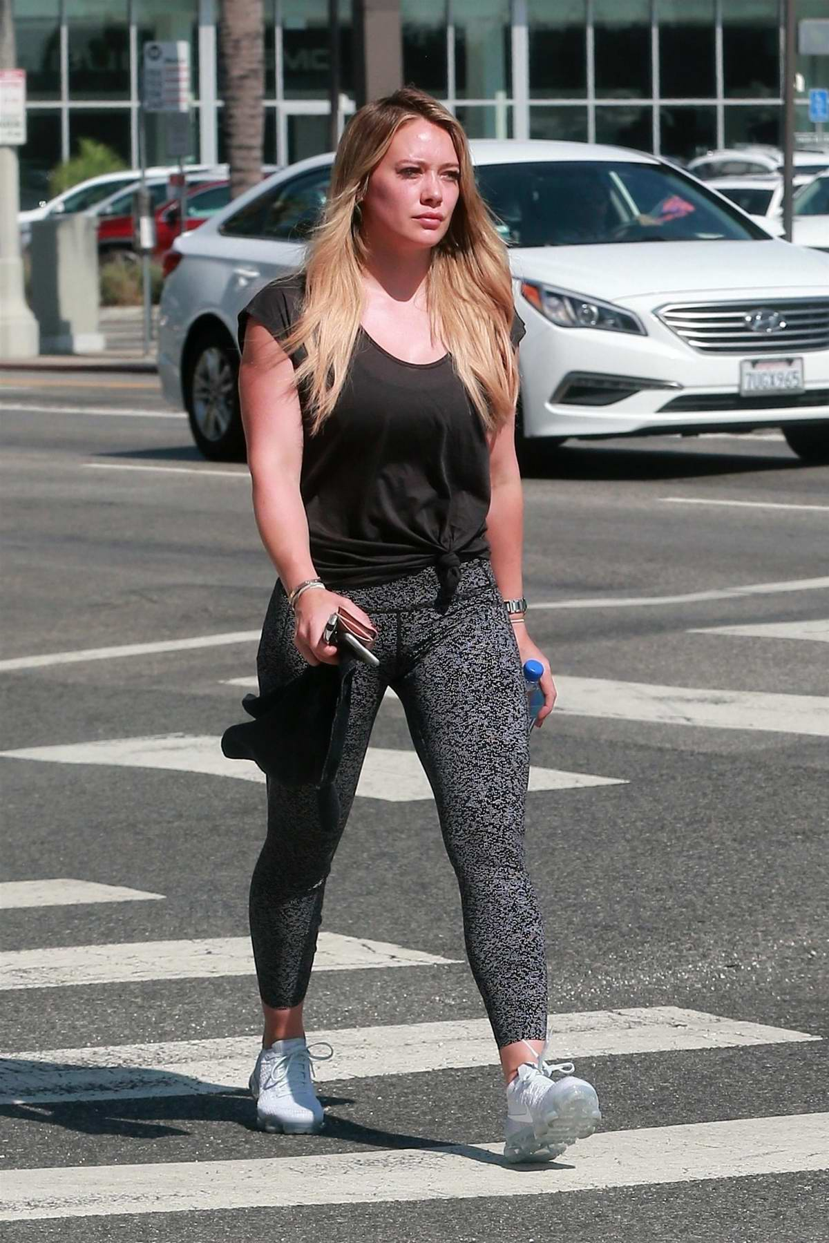 Hilary Duff heading to a Pilates session in Sherman Oaks, Los Angeles