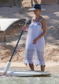 Jessica Alba enjoys Paddle-Boarding on a Family Vacation in Honolulu, Hawaii