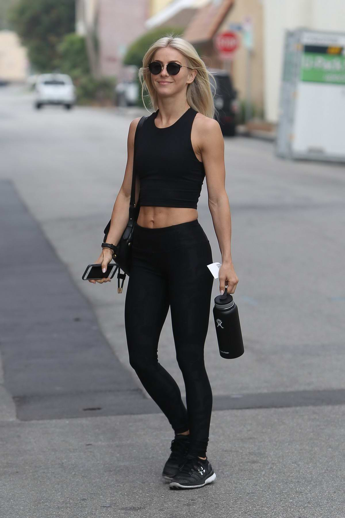 Julianne Hough heads to the Gym for her Daily Workout in Los Angeles