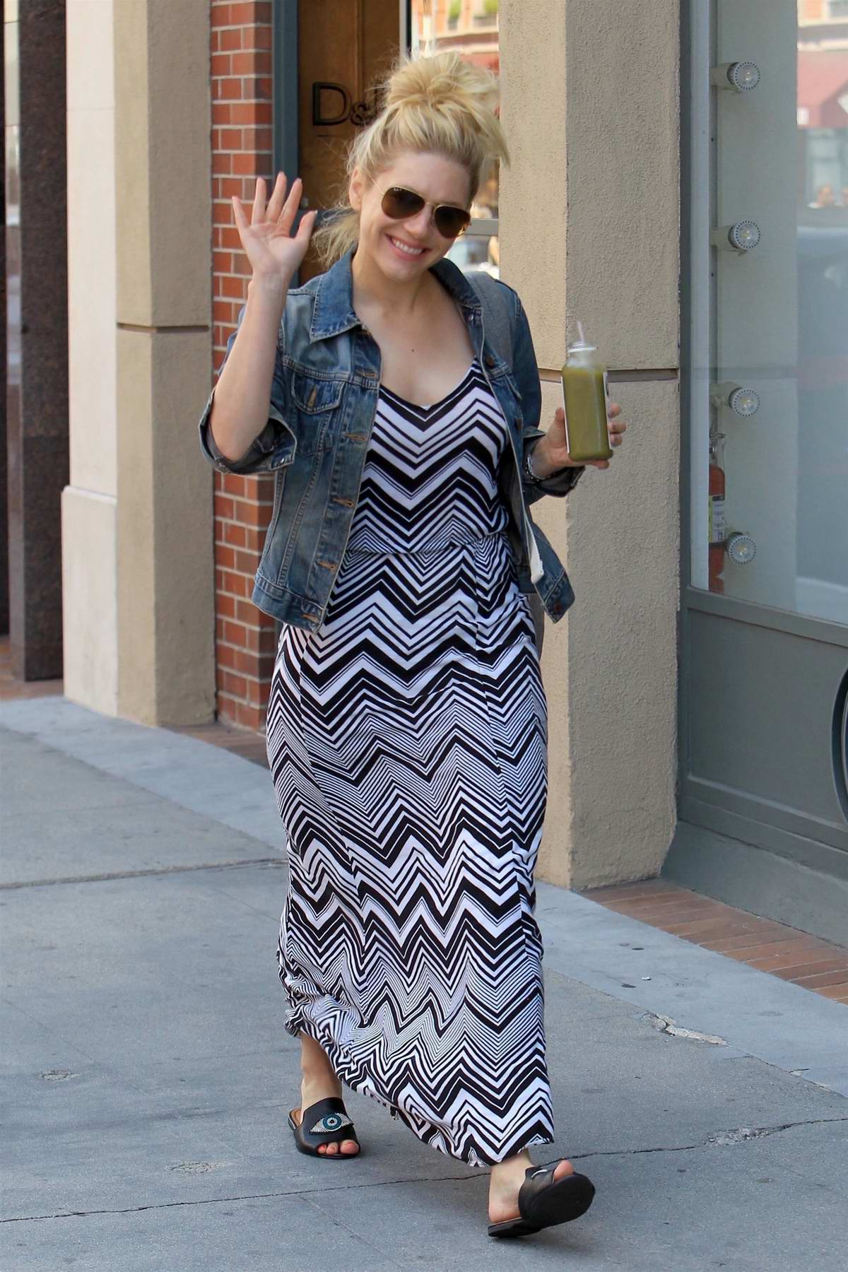 Katheryn Winnick grabs pressed Juice in Beverly Hills