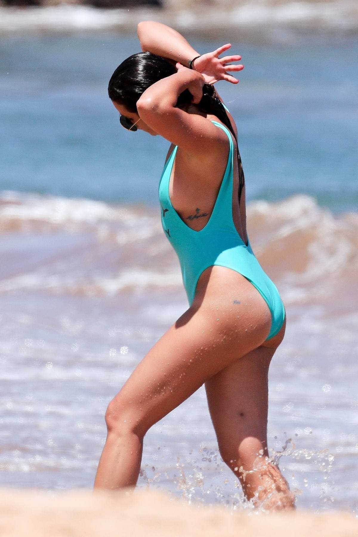 lea-michele-in-a-blue-swimsuit-shows-off-her-yoga-skills-on-a-paddle-board-in-maui-hawaii-300617_8.jpg