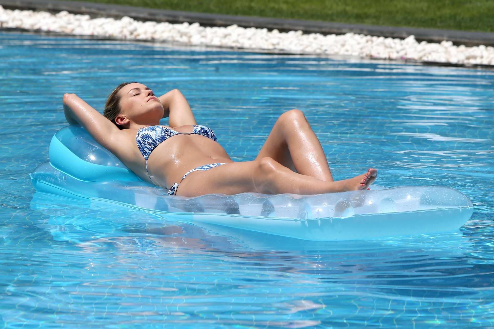 Forum on this topic: Eiza gonzalez tits, ola-jordan-bikini-poolside-in-dubai/