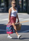 Reese Witherspoon leaves after a Spa session in Brentwood, Los Angeles