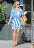 Reese Witherspoon out for shopping in Santa Monica, California