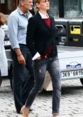 Uma Thurman out for Shopping in Carlsbad, Czech Republic