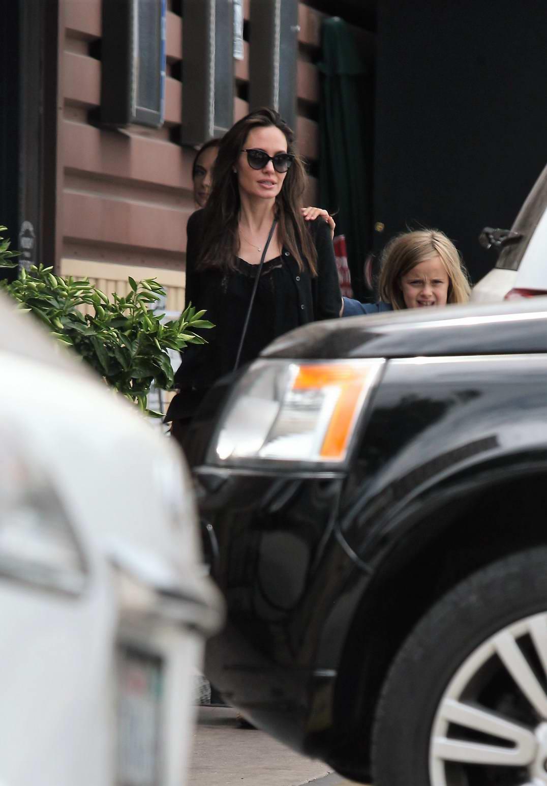 Angelina Jolie shops at organic food store Lassens Natural Food and Vitamins in Los Angeles