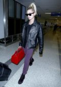 Hailey Baldwin lands in Los Angeles after spending a few days in New York