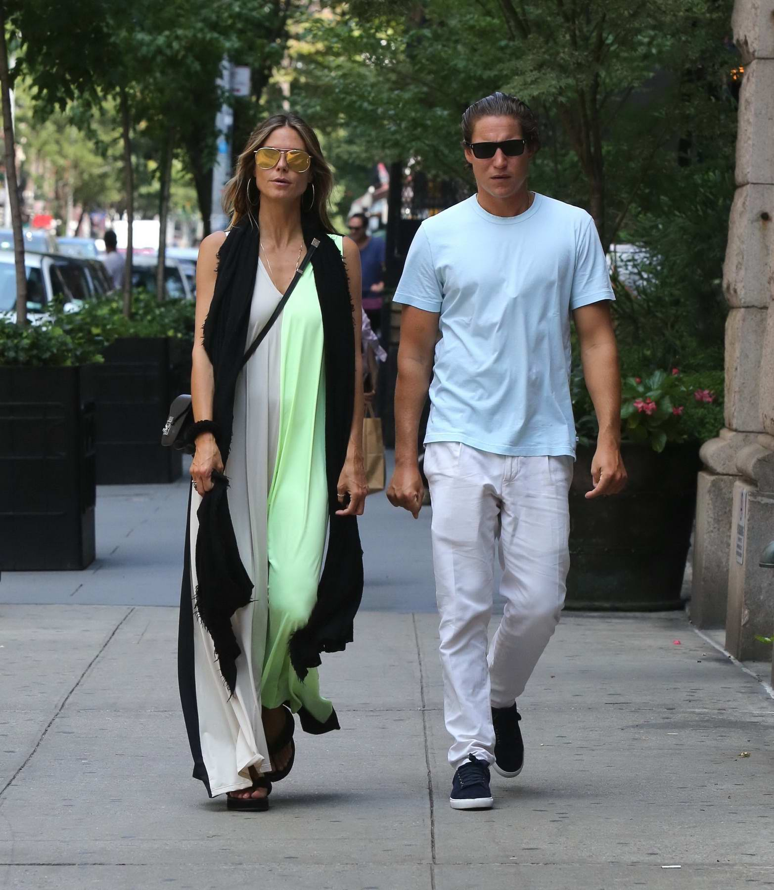 Heidi Klum and boyfriend Vito Schnabel out to lunch in New York
