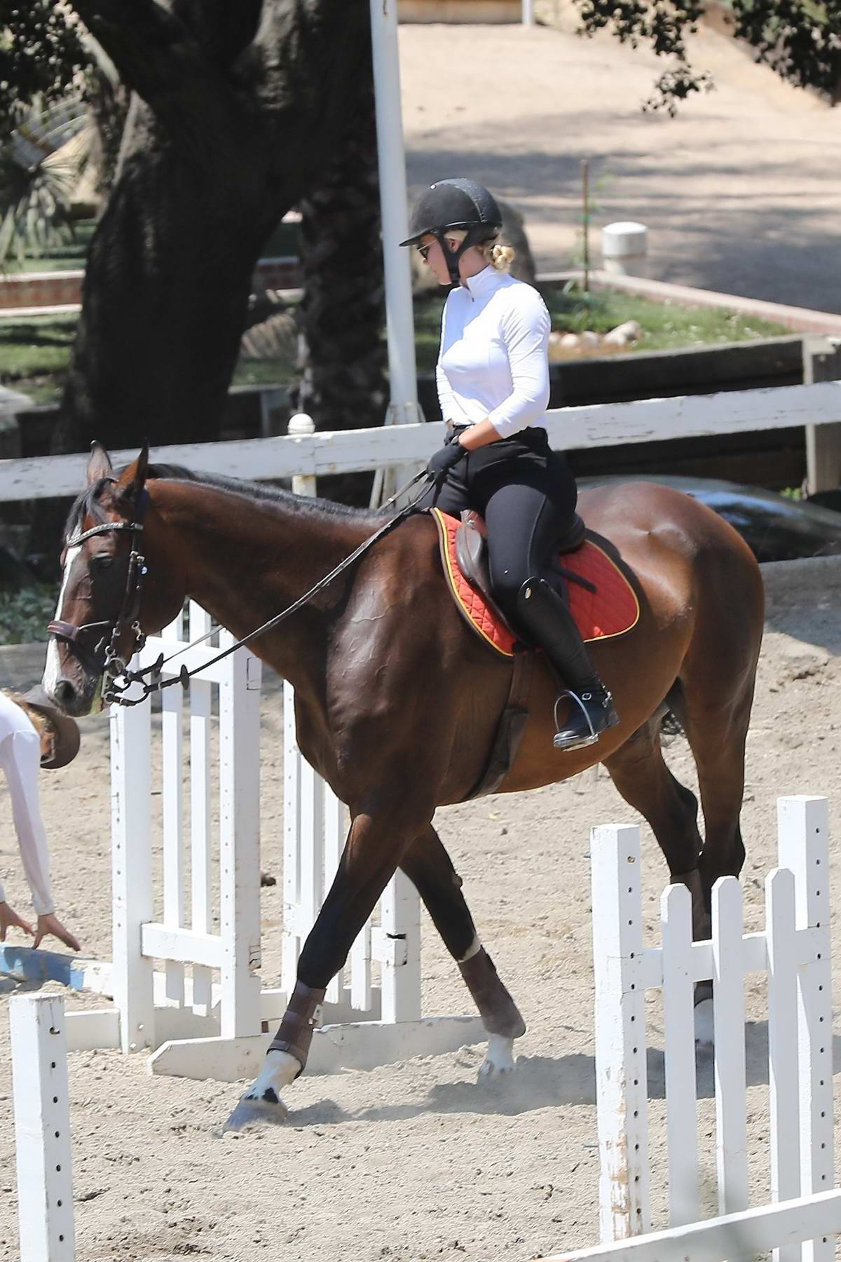 Iggy Azalea goes Horse riding in Los Angeles