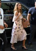 Jessica Alba heading to a Bakery in the morning in New York City