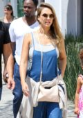 Jessica Alba spend a day with her Family in Los Angeles