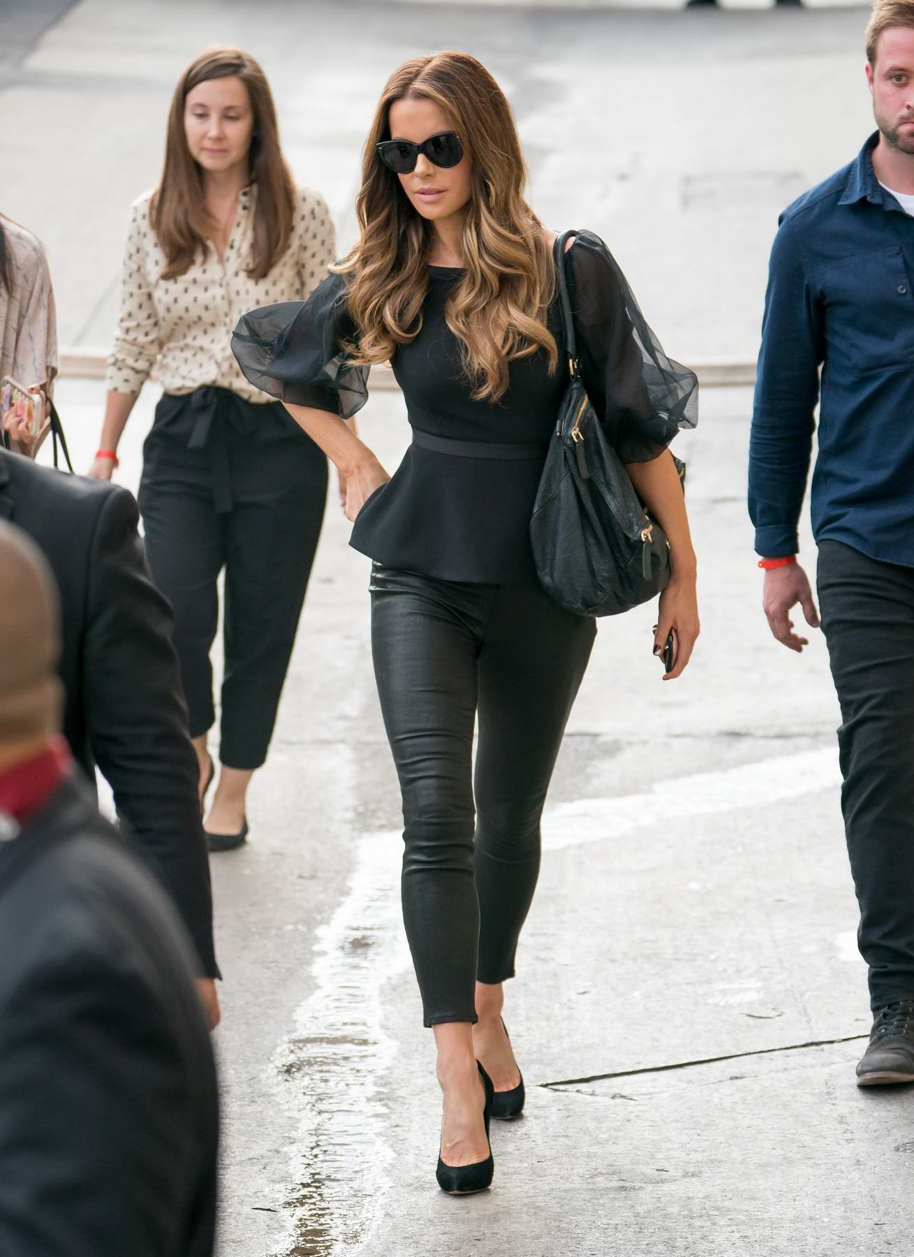 Kate Beckinsale arrives at the Jimmy Kimmel Live in Hollywood, California