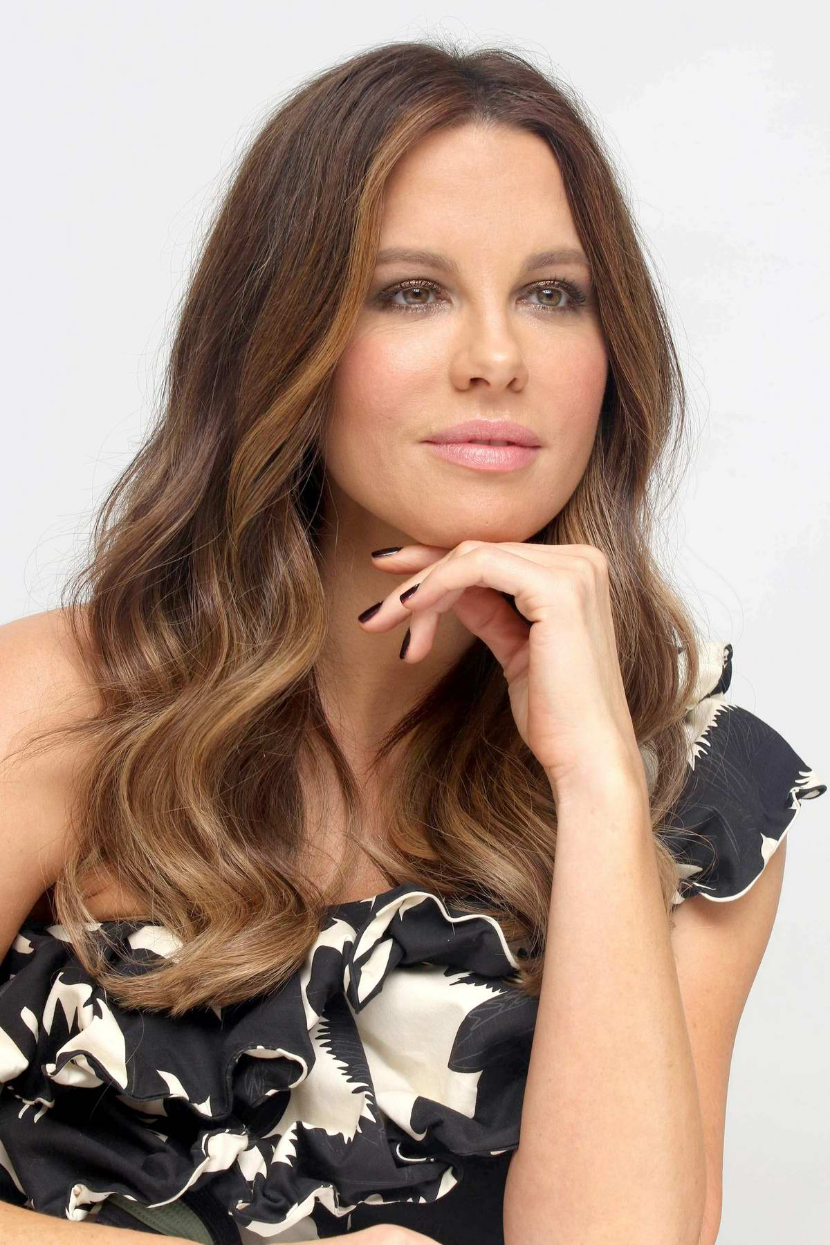 Beckinsale at the only living boy in new york film photocall and kate beckinsale at the only living boy in new york film photocall and press conference in new york sciox Image collections