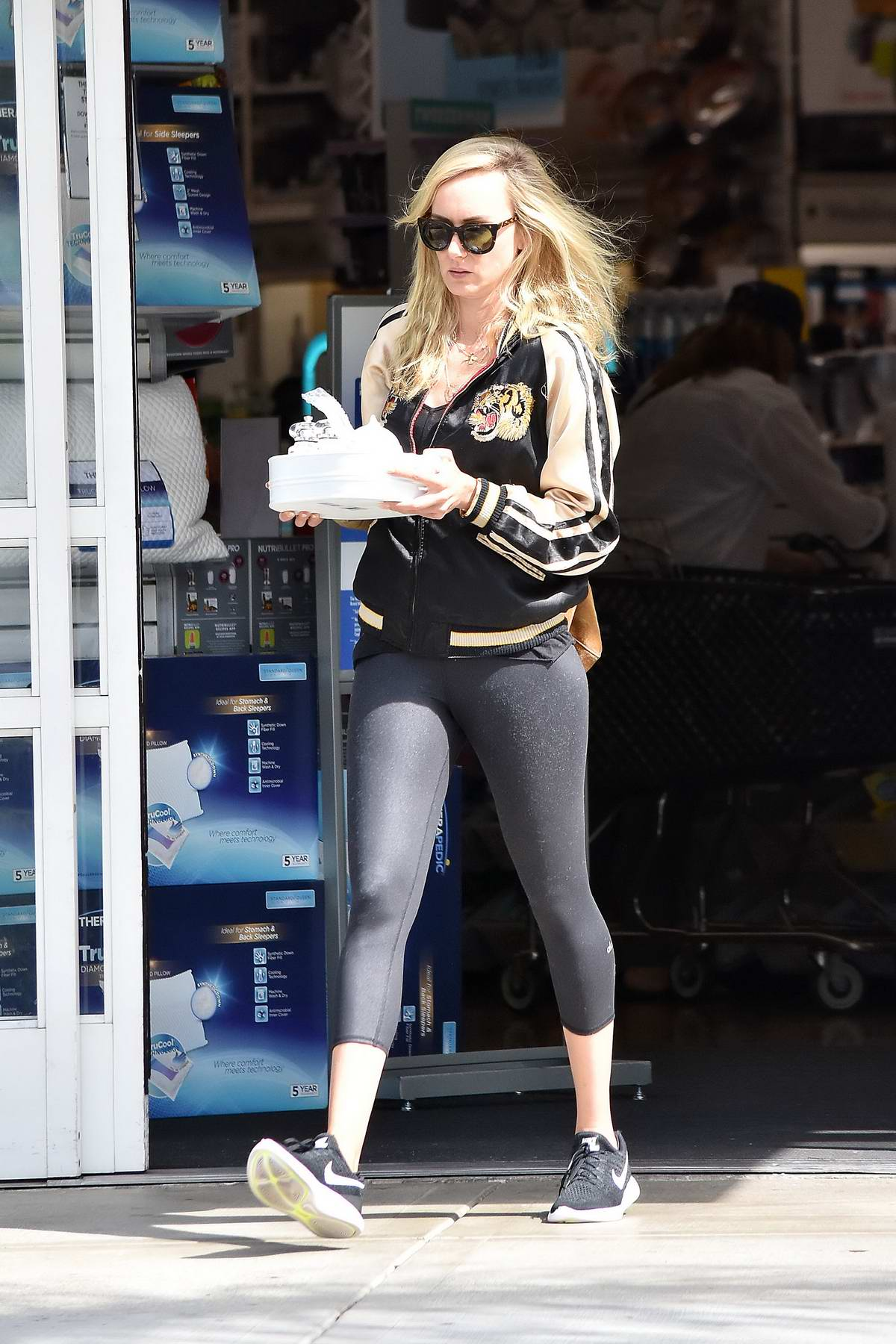 Kimberly Stewart shopping at Bed Bath and Beyond in Los Angeles