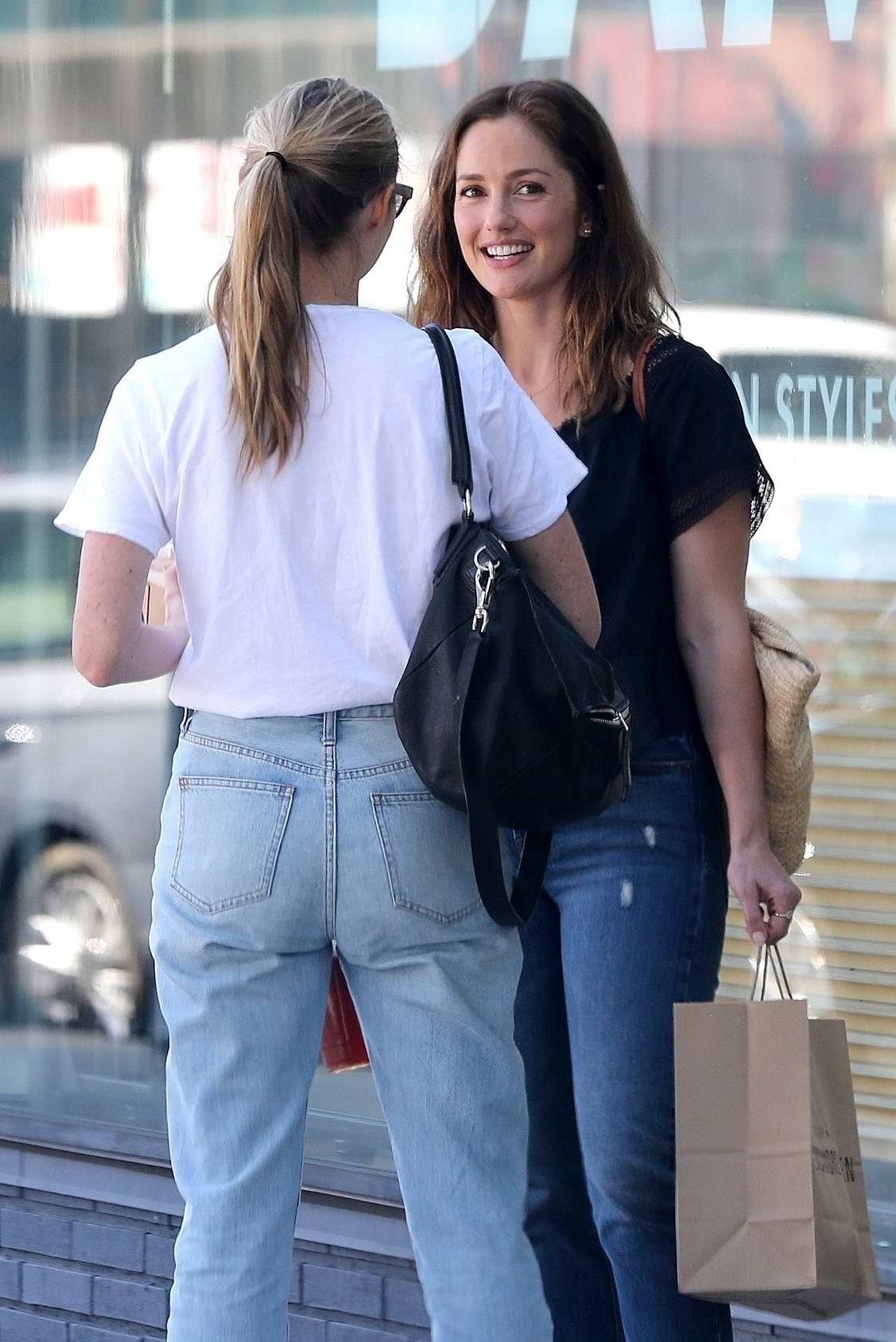 Minka Kelly catches up with a friend over lunch at Sycamore Kitchen in Hollywood, Los Angeles