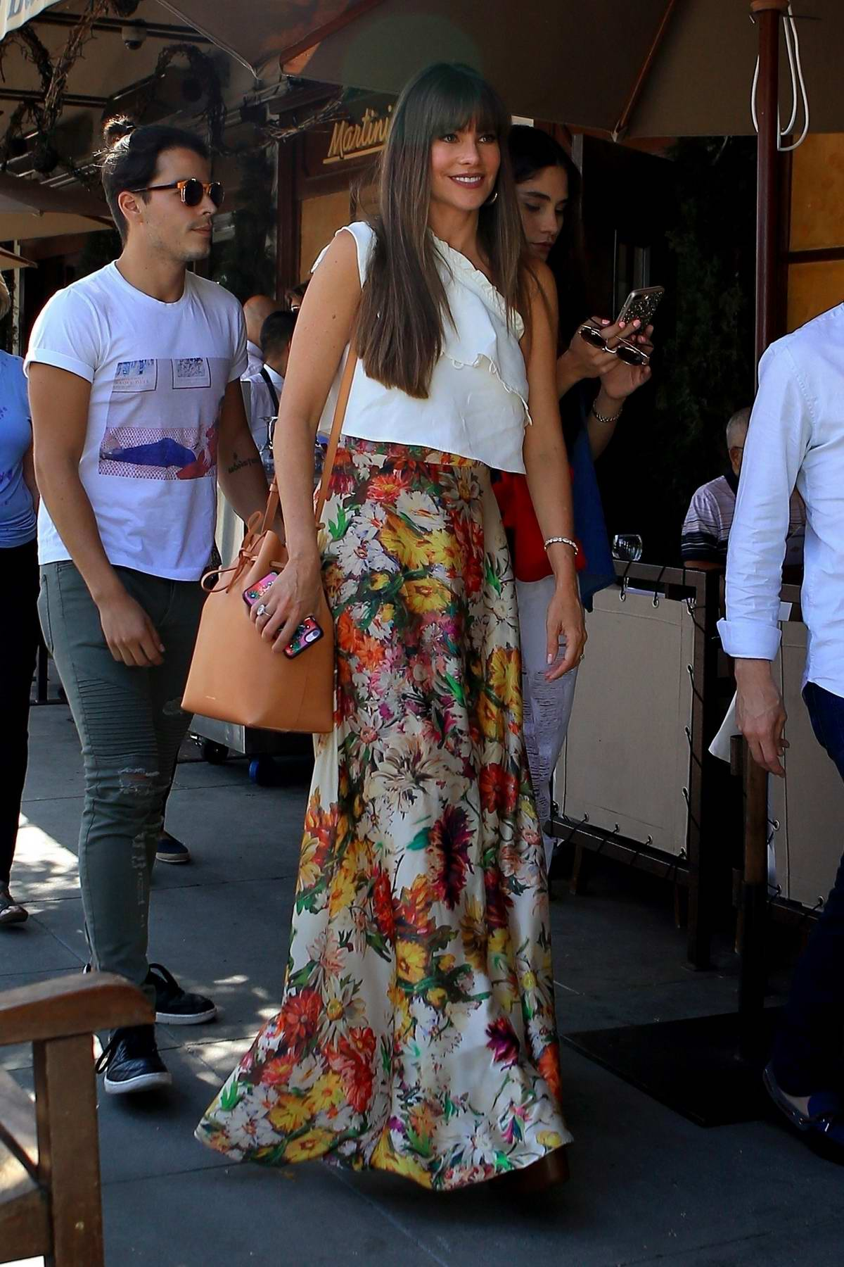 Sofia Vergara has lunch with Friends at Il Pastaio in Beverly Hills, California