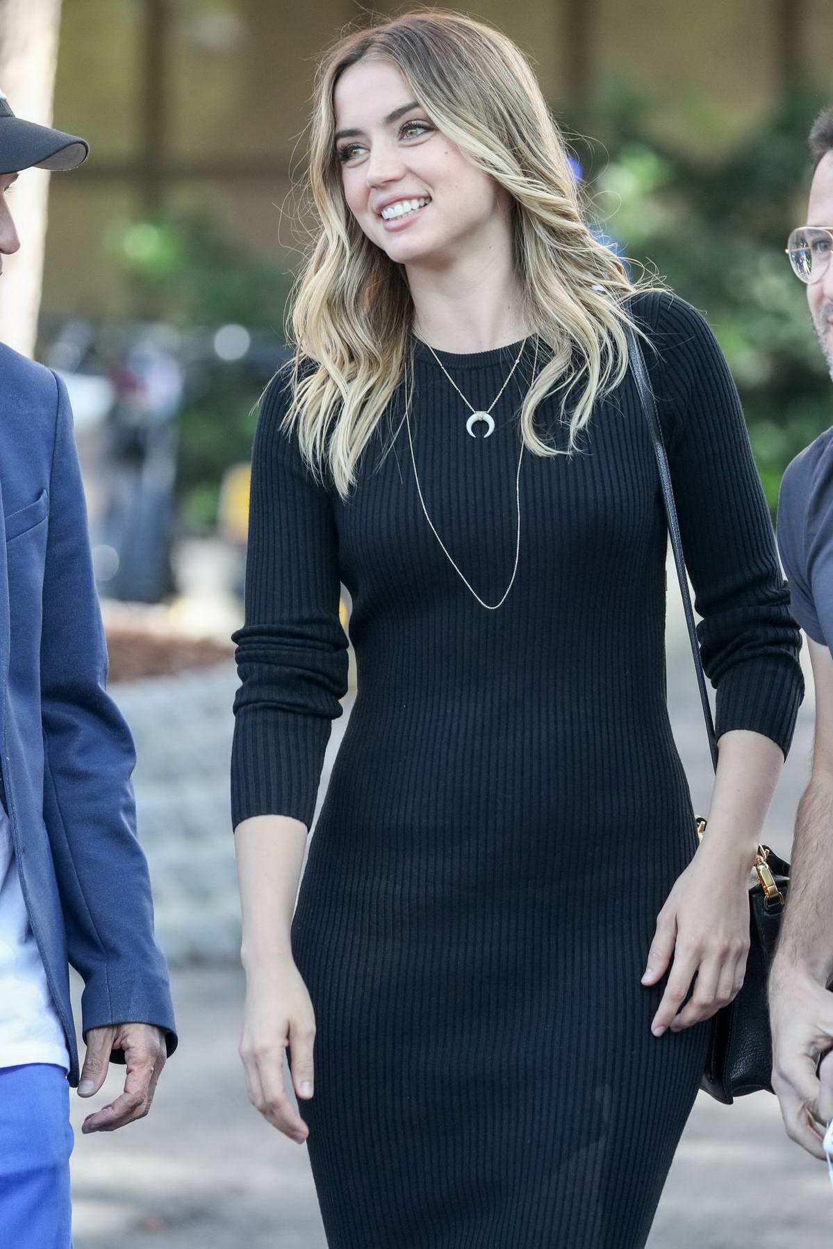 Ana de Armas greeted by her fans in Madrid, Spain