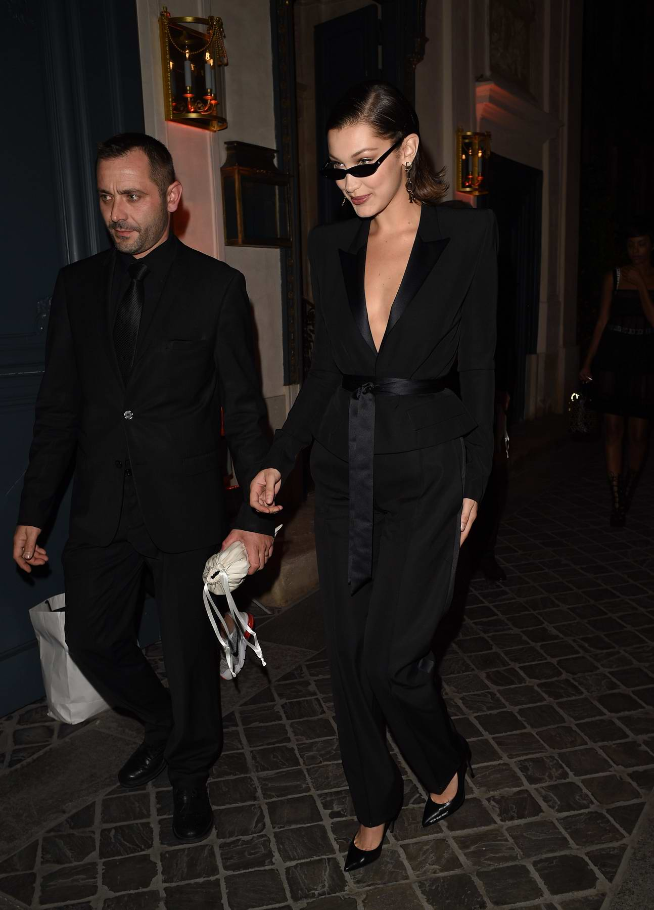 Fashion week Wear to what to dinner in paris for lady