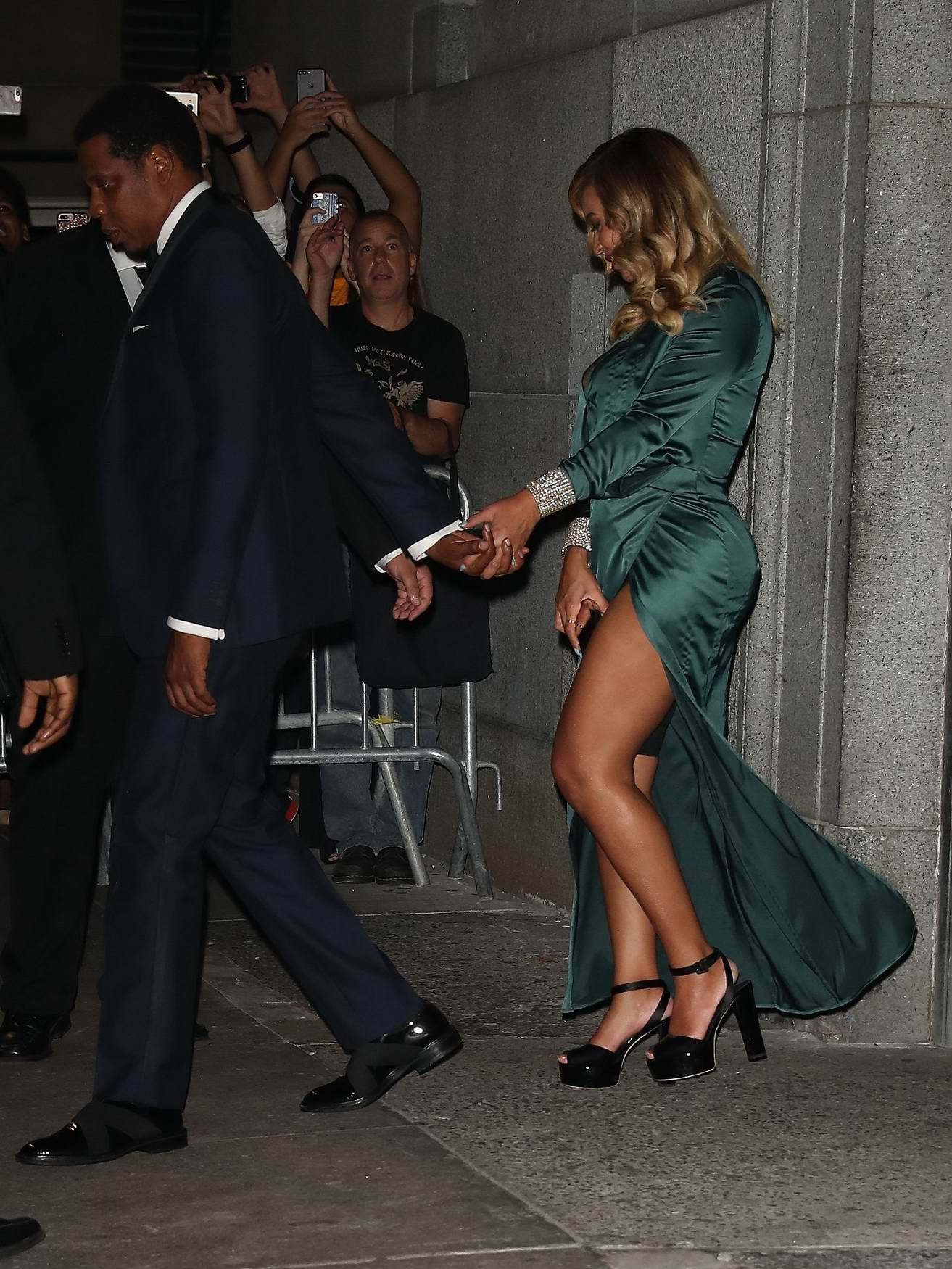 Beyonce and Jay Z leaves Rihanna's Diamond Ball in New York City