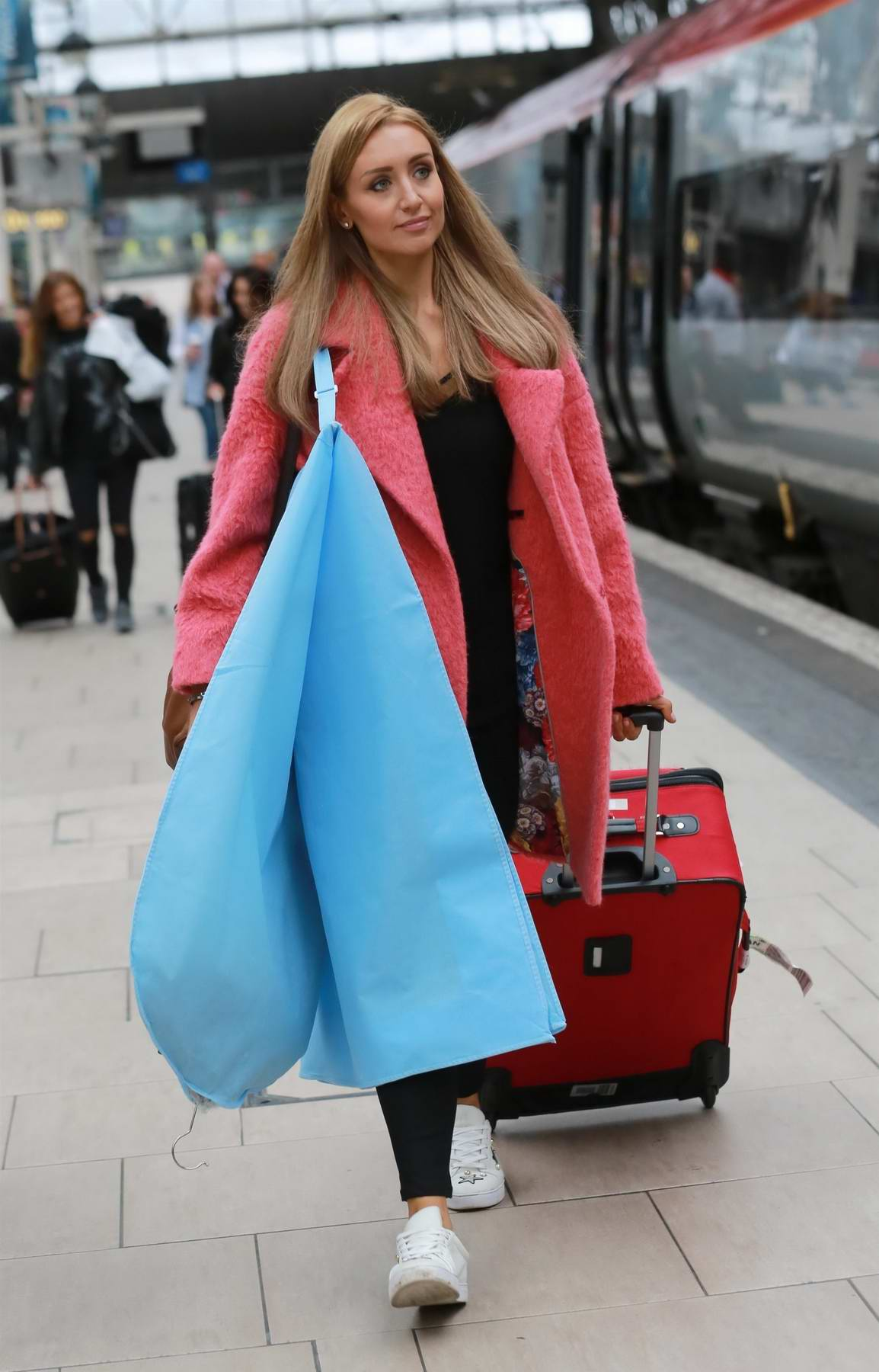 catherine tyldesley catching the train to london from. Black Bedroom Furniture Sets. Home Design Ideas