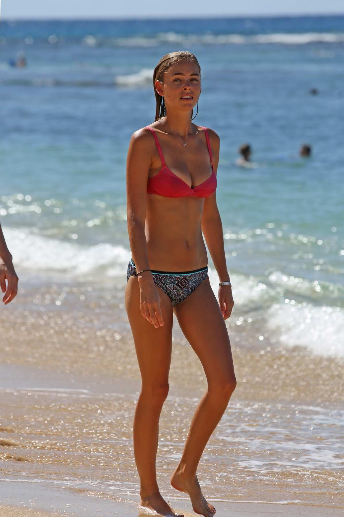 Elizabeth Turner in a bikini enoying the beach in Hawaii