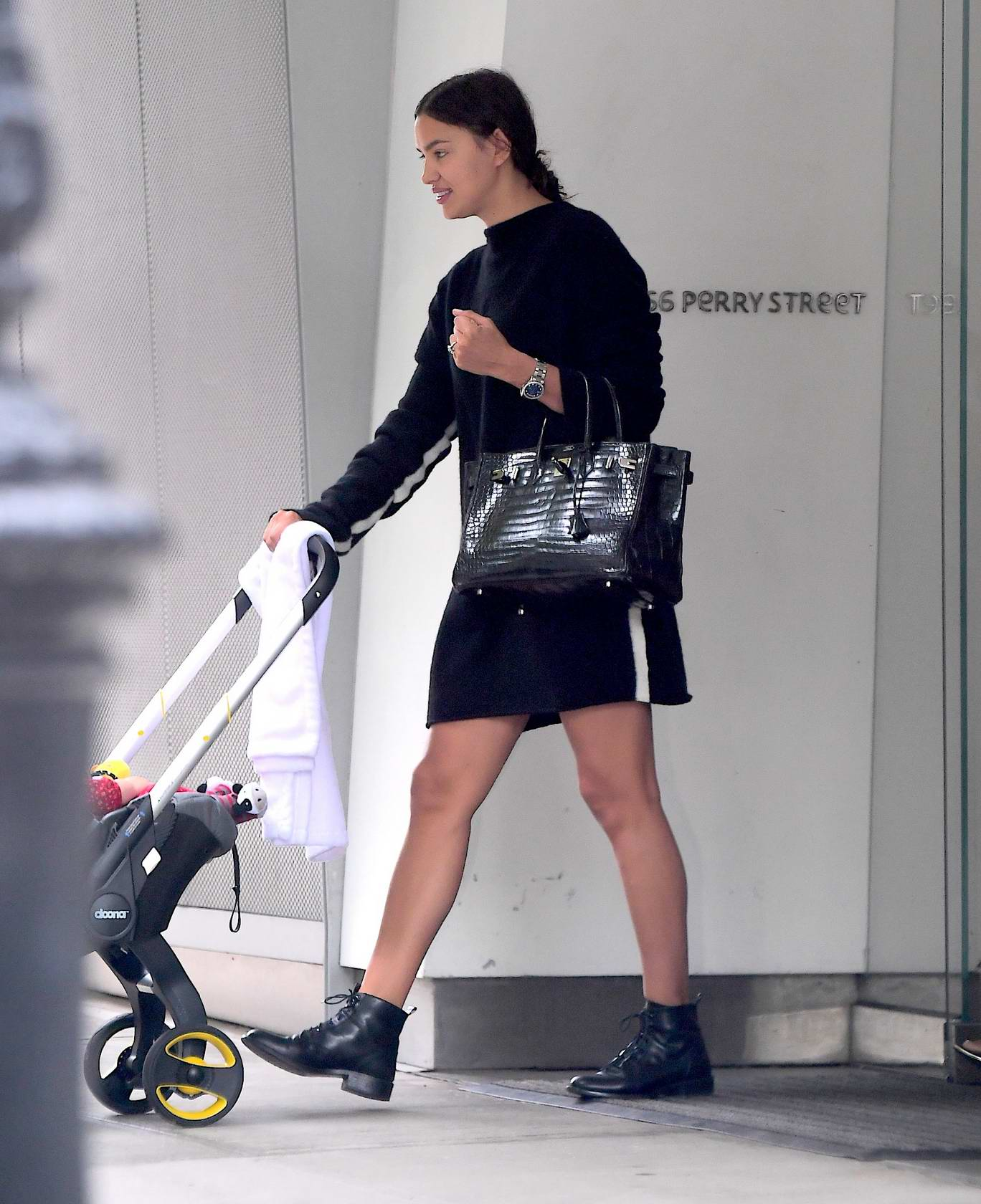 Irina Shayk going for an early morning walk in New York City