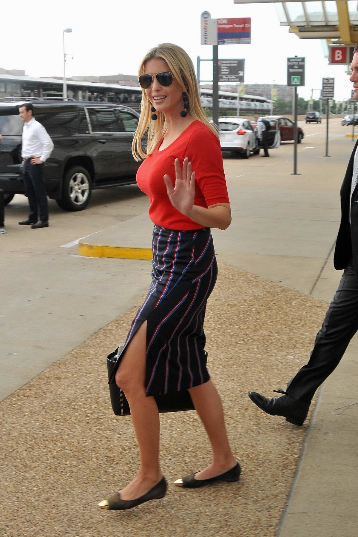 Ivanka Trump spotted at the Airport as she arrives back in Washington DC