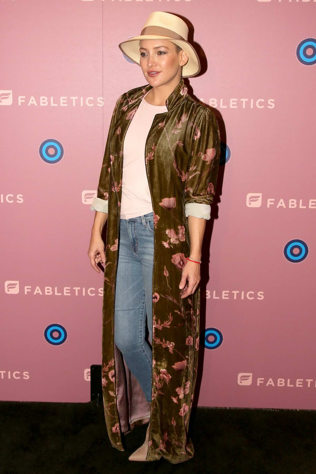 Kate hudson at the council of fashion designers of america for California fashion designers directory