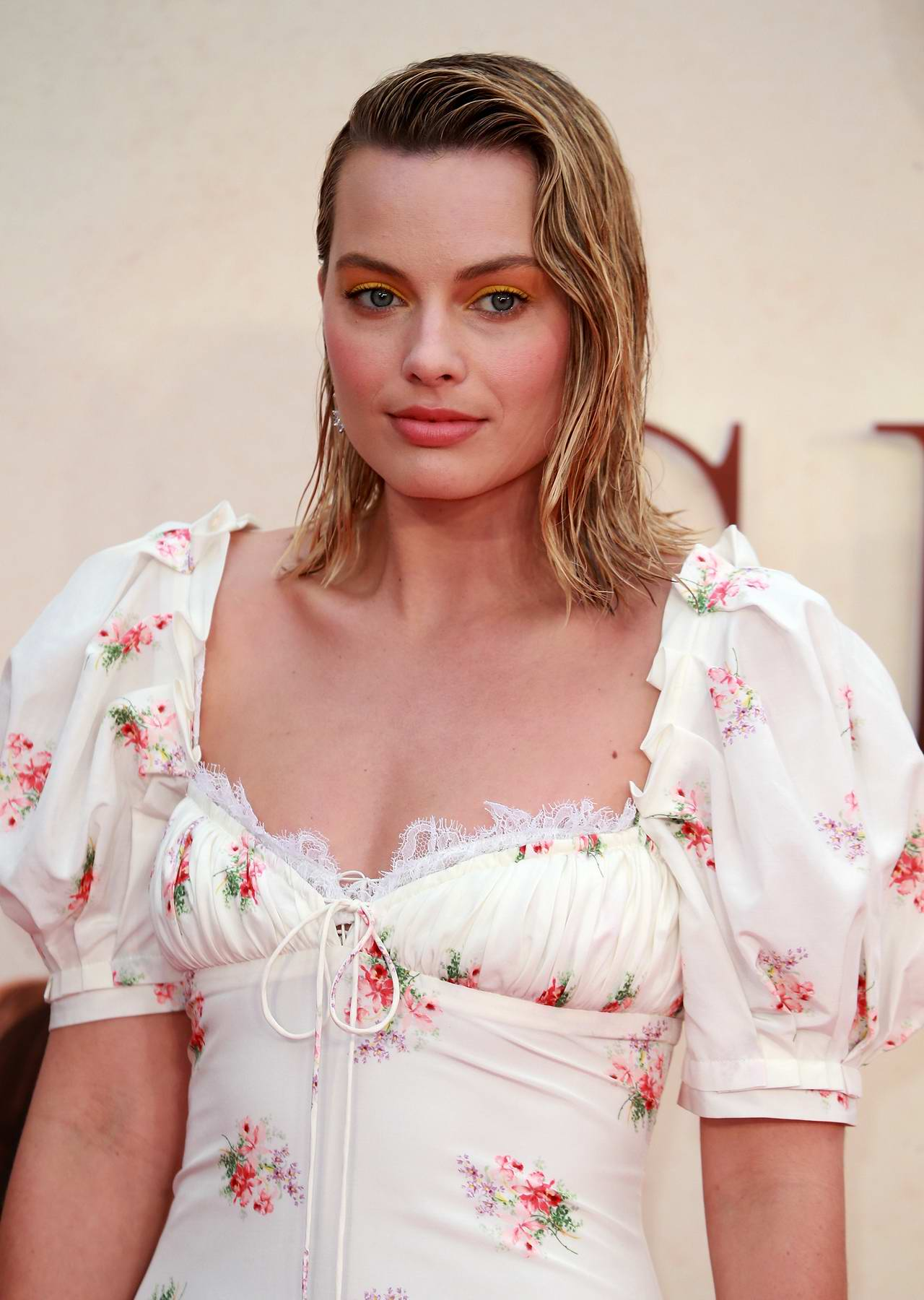 Margot Robbie attends 'Goodbye Christopher Robin' film premiere in London