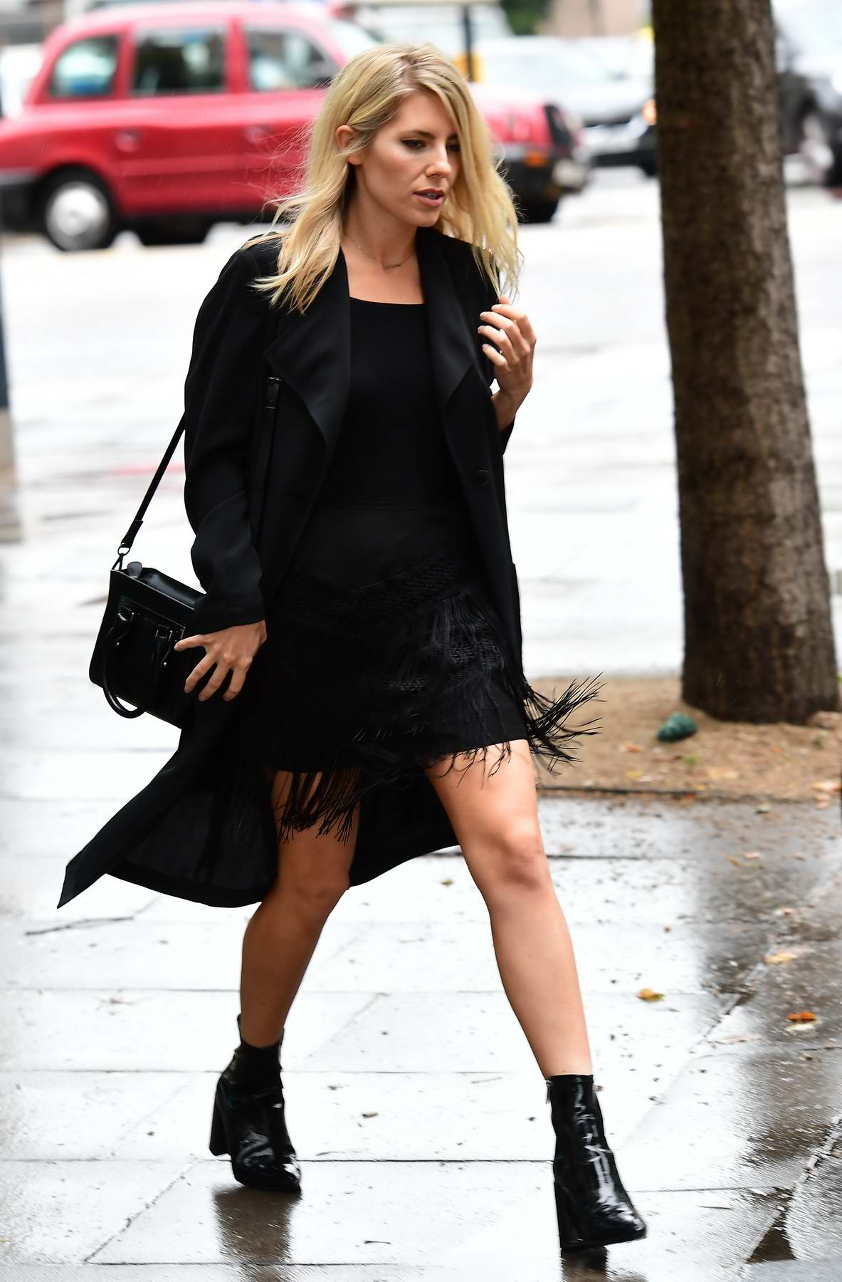 Mollie King leaves Universal Music after a day of meetings in London