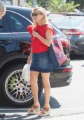 Reese Witherspoon heads out for a business meeting in Brentwood, Los Angeles