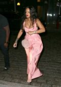 Rihanna arrives for dinner at Dumbo in Brooklyn, New York