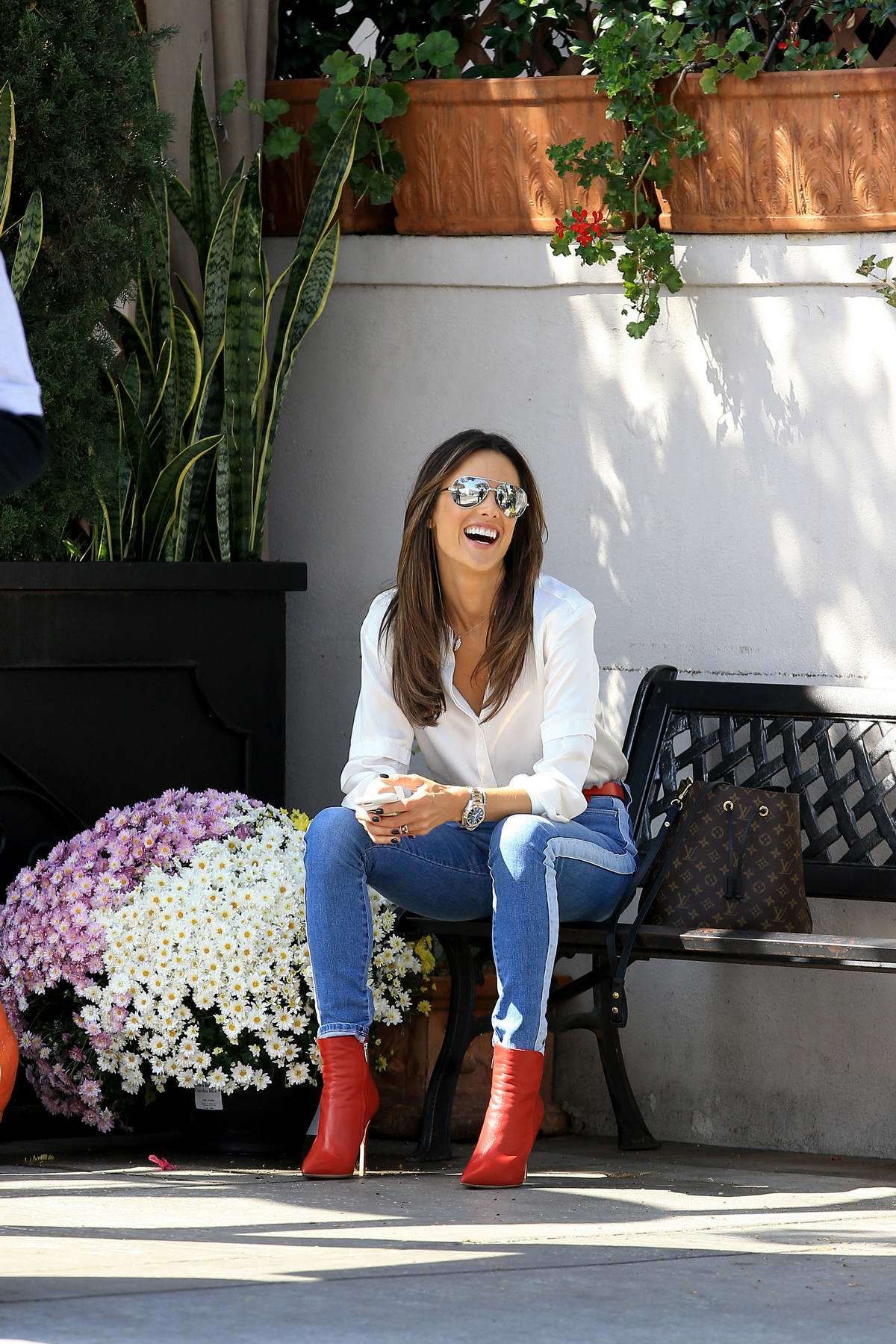 Alessandra Ambrosio was spotted having lunch at Il Pastaio Restaurant in Beverly Hills, Los Angeles