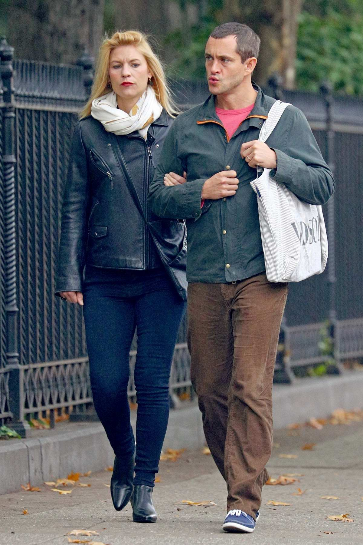 Claire Danes and Hugh Dancy stroll around after grabbing lunch in New York City
