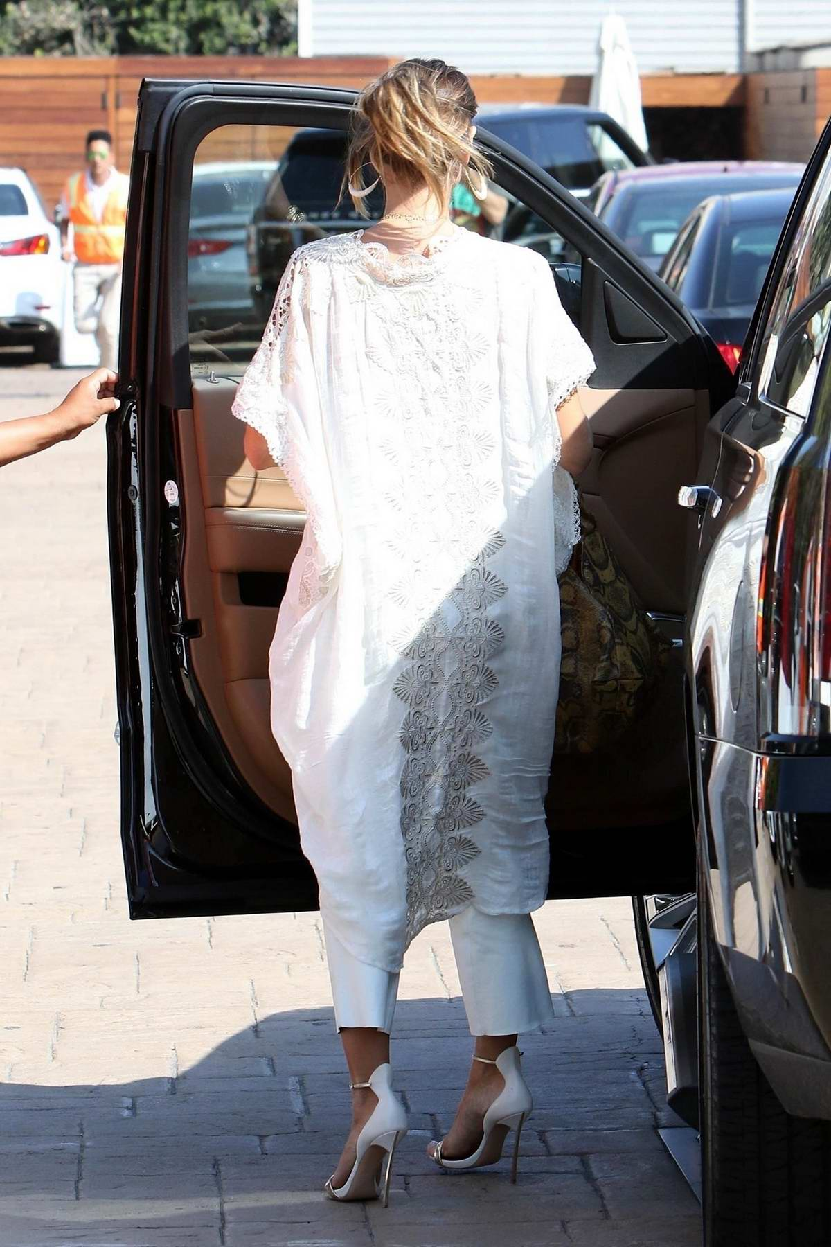 Heidi Klum in White out in New York City | GotCeleb