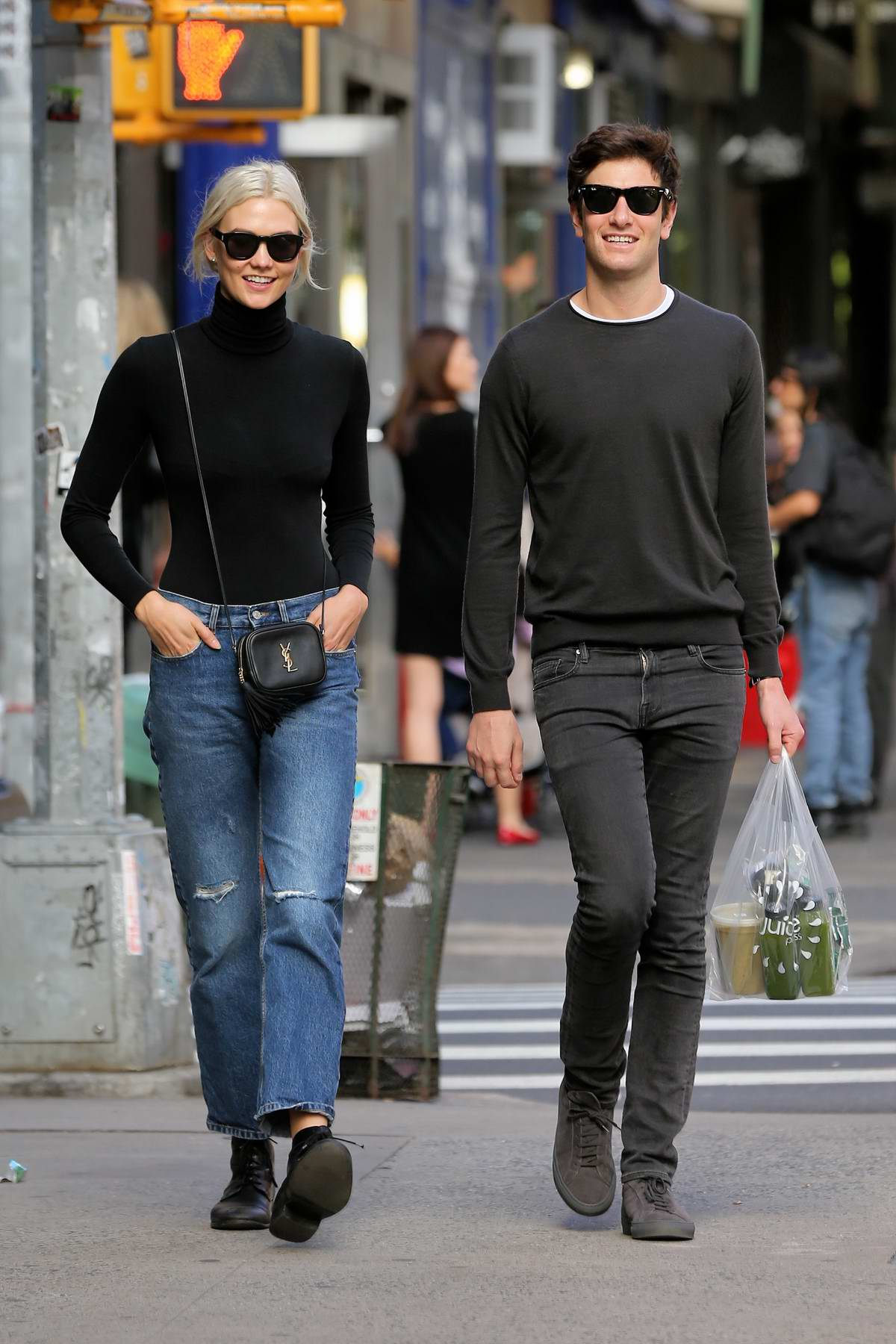 Karlie Kloss Walks Home With Boyfriend Joshua Kushner In West