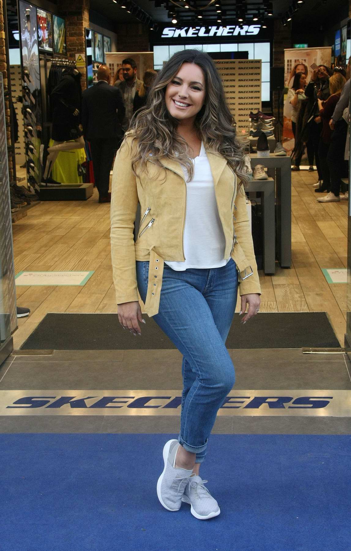 Kelly Brook attends the a photocall for Skechers in dublin, Ireland
