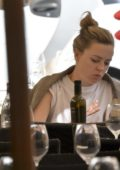 Melissa George is seen having lunch alone in Pierluigi's Restaurant in Rome, Italy