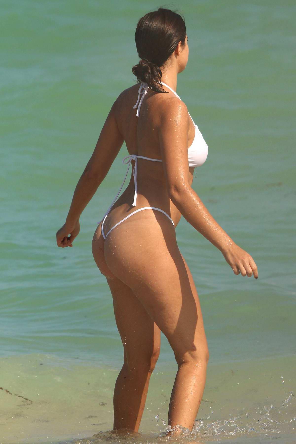Bruna marquezine naked in brazilian soap opera wwwamadorastaradascom - 4 1