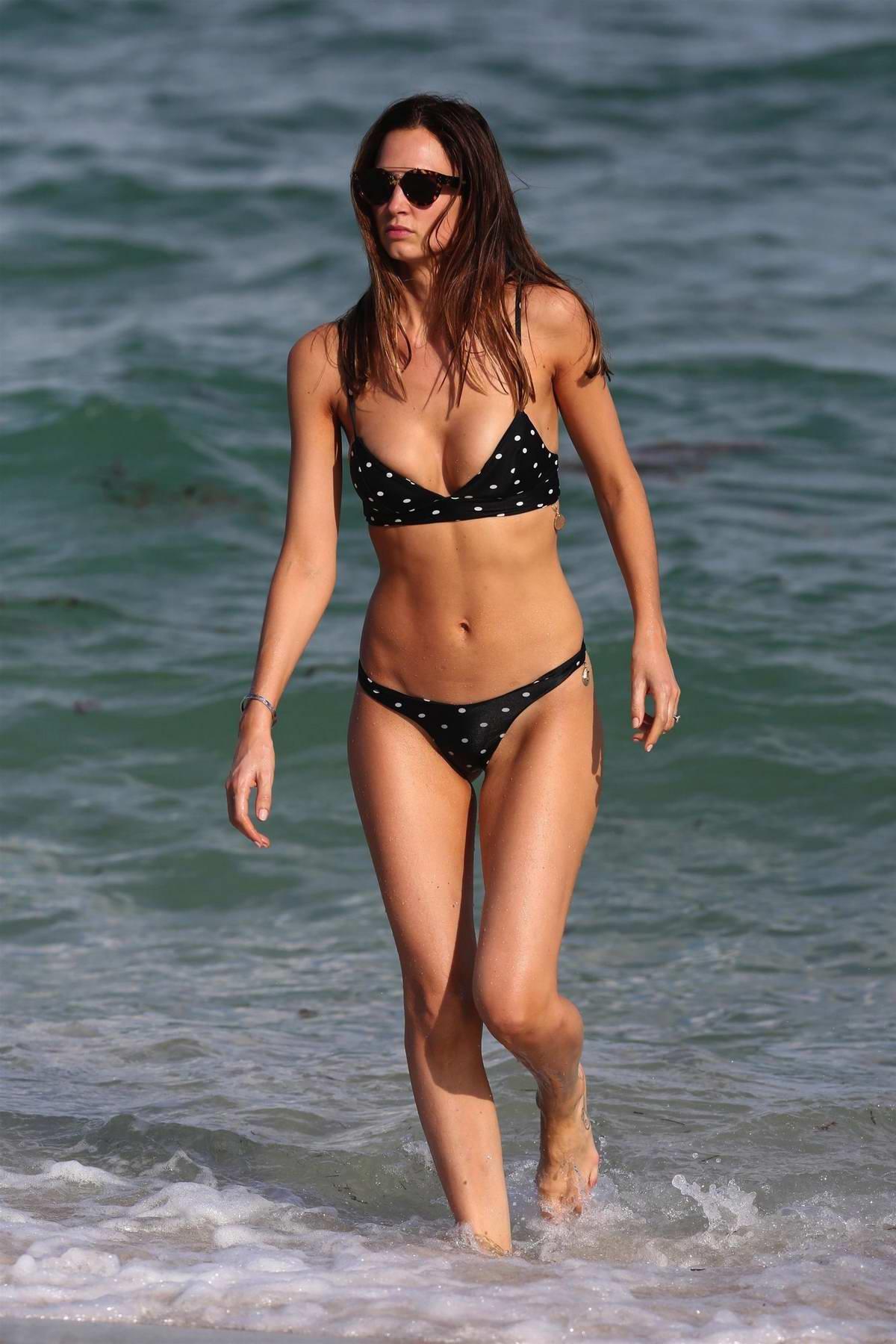 Amy Acker Bikini alice amelie archives | celebsfirst